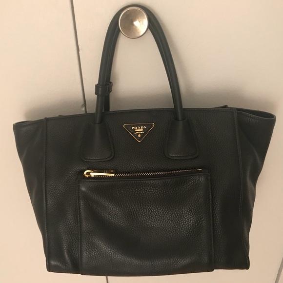 e1bcc00ee8d3 Prada Vitello Daino - Black Crossbody Tote Handbag.  M 5b0cb08931a376923e1ddbb5